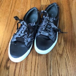 Olive Green Low Top Sneakers w Ribbon Detail/Laces